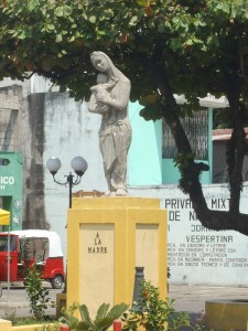 Patulul statue- to Mothers everywhere